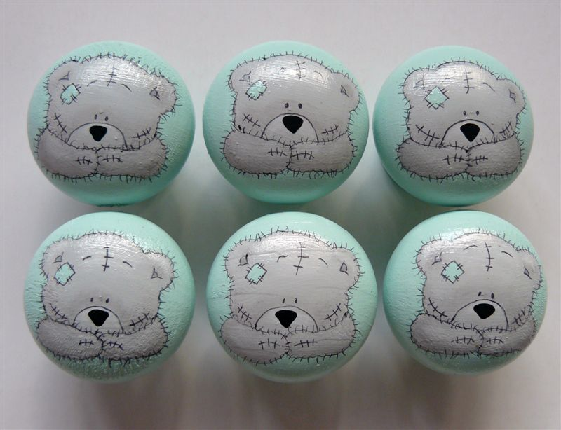 Mint base with grey teddies