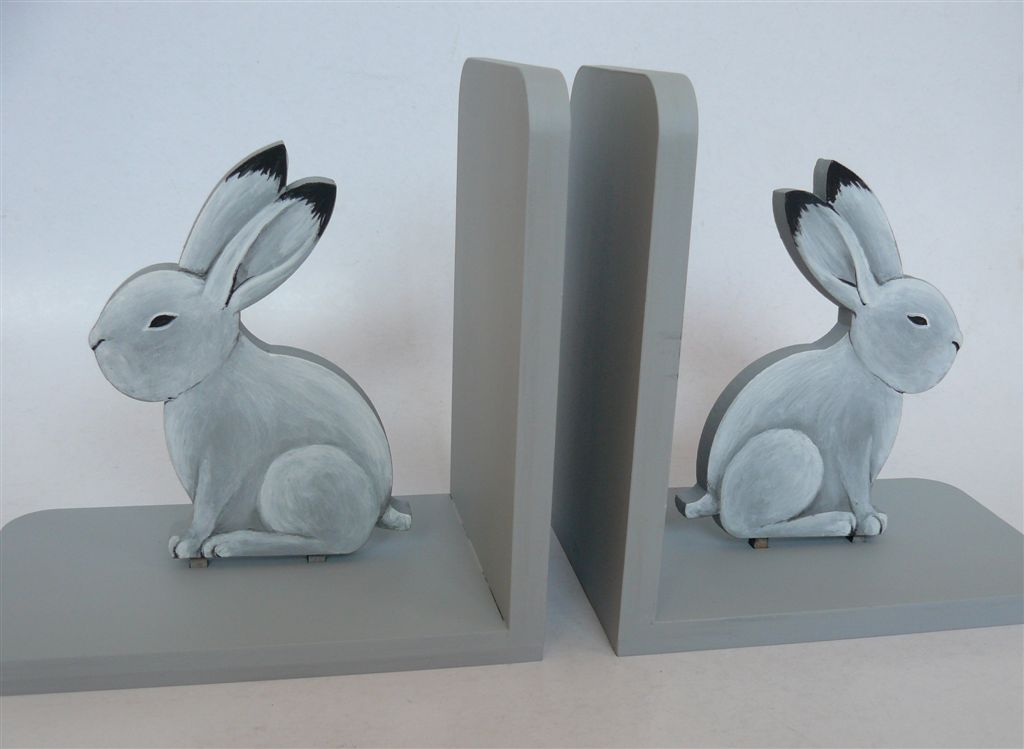 Grey bunny bookends