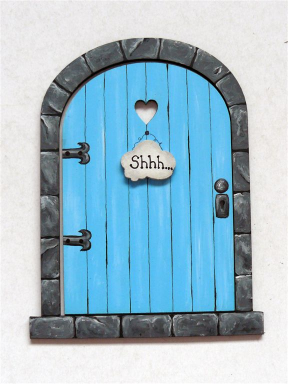 Turqoise door with grey frame 18x14cm