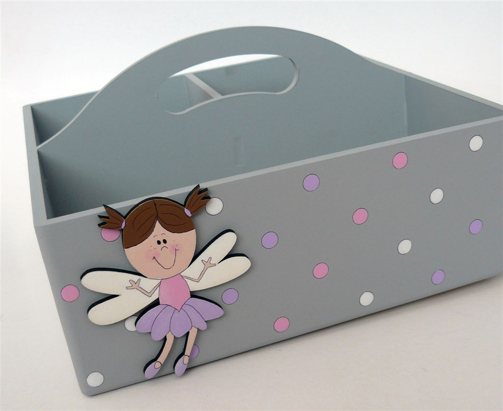 Grey caddie with fairy brown hair