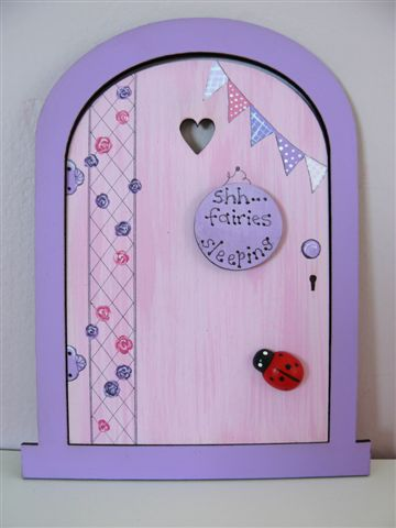 Purple Frame with pink door 18x14cm