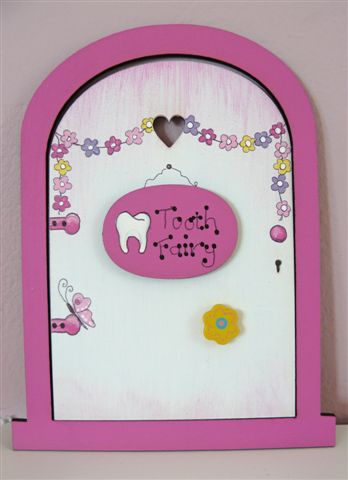 Pink frame with white door 18x14cm