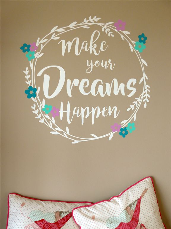 Make your dreams happen wreath