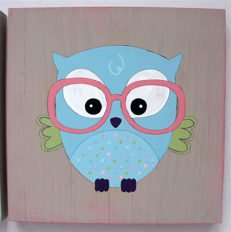 Blue owl with pink glasses