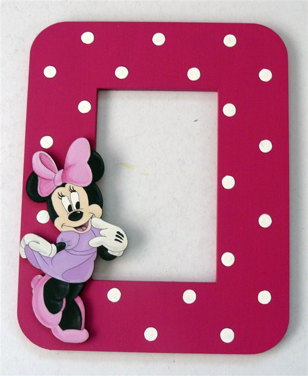 Minnie Mouse on cerise