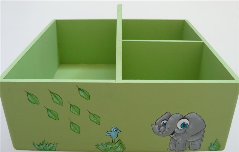 Caddy green base with elephant