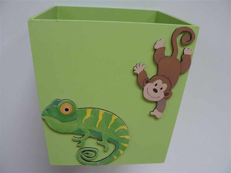Dustbin with a chameleon and monkey