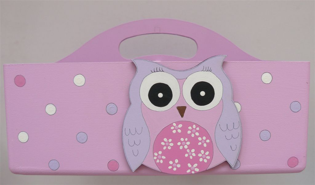 Pink caddie with owl