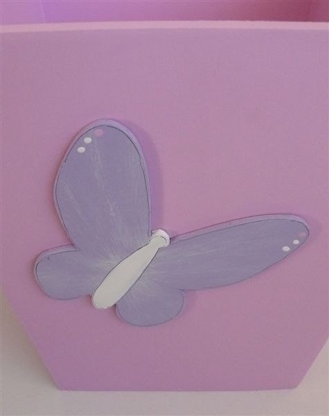 Dustbin pink with lilac butterfly