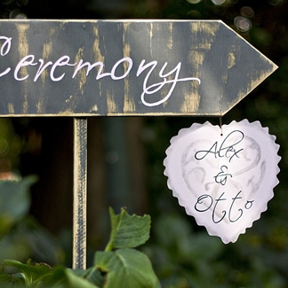 Ceremony plaque with heart